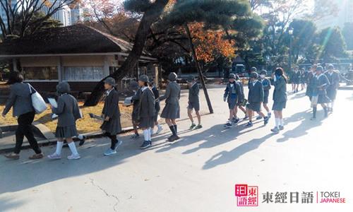 日本校服女孩